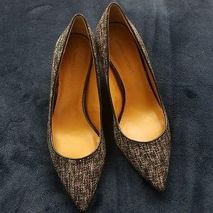 Black and White Banana Republic heels size 7.5